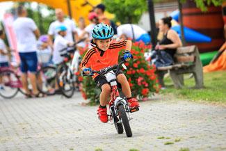 Fotografia reportażowa - Rodzinny piknik rowerowy